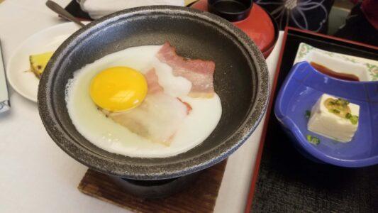 伊豆 稲取東海ホテル湯苑の部屋食ご飯♪料理極盛り!朝食_ベーコンエッグ2