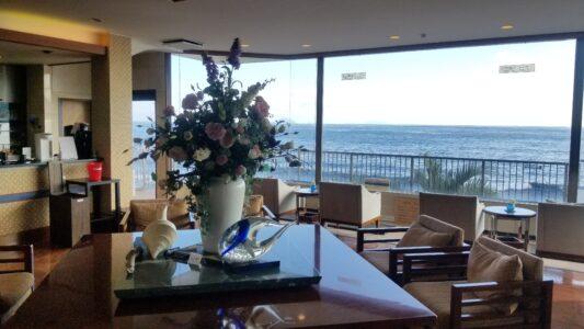 伊豆 稲取東海ホテル湯苑の館内はこんな感じでした【宿泊旅行記】ロビーオーシャンビュー